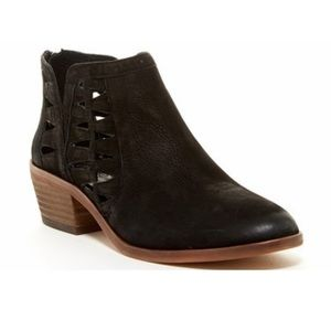 Vince Camuto VC-PEERA Ankle Boots